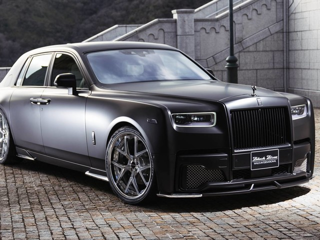 Rolls-Royce Phantom Takes A Ride To The Dark Wald Side