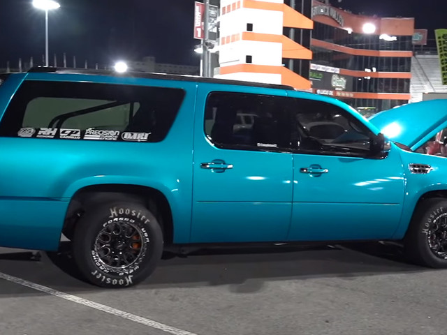 1200 HP Cadillac Escalade Spins All Four Wheels With Ease