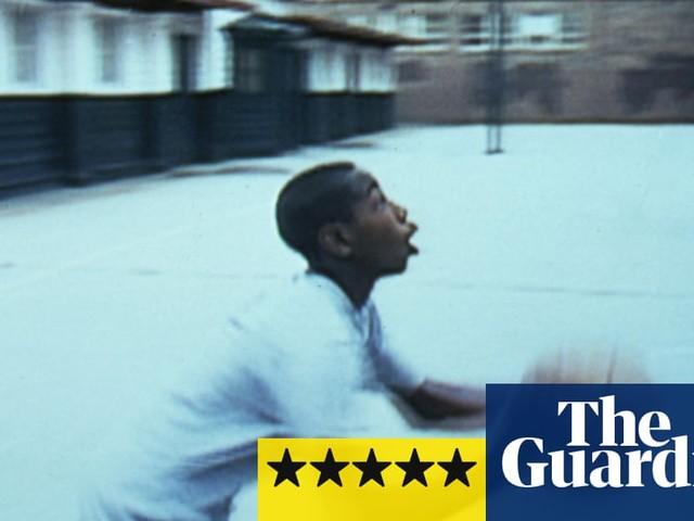 Hoop Dreams review – basketball doc slam-dunks the power of hope