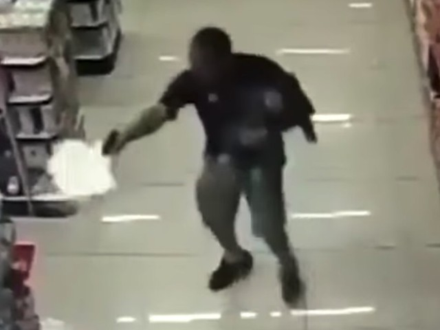 Video Shows Off-Duty Officer Shooting Armed Robbery Suspects While Holding Baby in Brazil Pharmacy