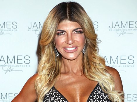 Teresa Giudice Loves Flirting With Cute Guys While Joe In Prison — There's Nothing Wrong With It