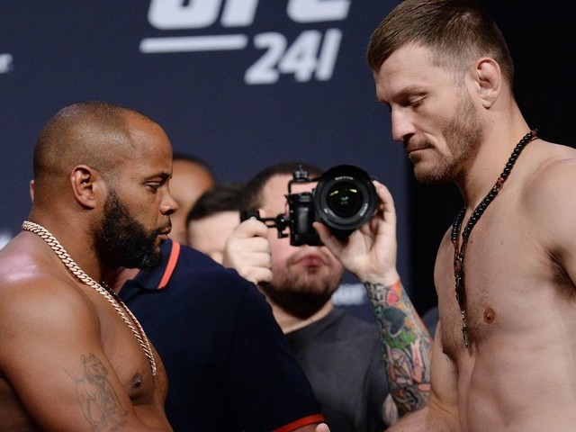 UFC 241 PPV main card live results, discussion, play by play