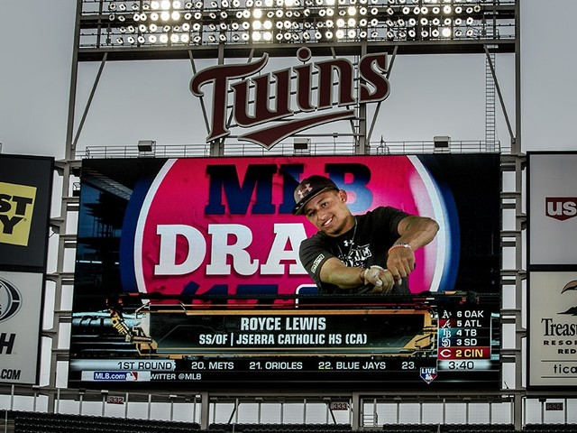 'It was awesome.' No. 1 draft pick Royce Lewis homers in first Minnesota Twins minor-league at-bat