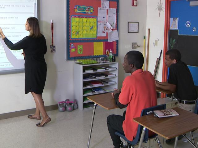 Pay For Florida Teachers A Centerpiece Of Governor Ron Desantis' Budget