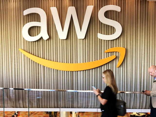 Amazon is bringing cloud services and AI to a consortium of Pittsburgh researchers (AMZN)