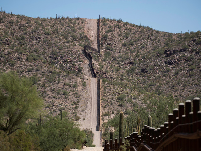 Storm US border, they can't stop all of us! With all the news focused on Area 51, ACTUAL break-in just happened in Arizona (VIDEO)