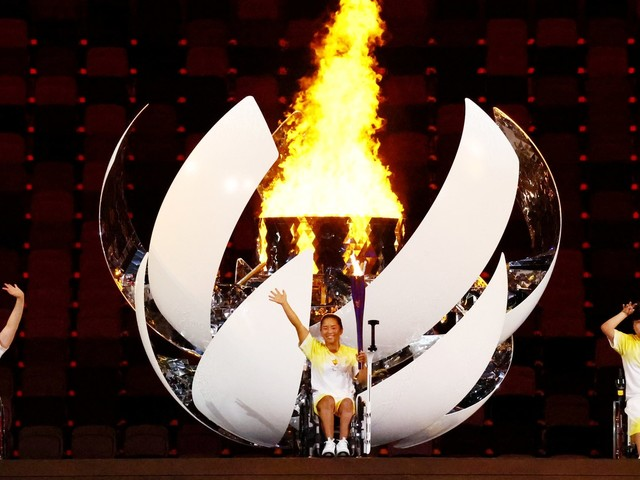 Paralympians can't bring caregivers to Tokyo due to COVID. How will this affect their ability to compete?