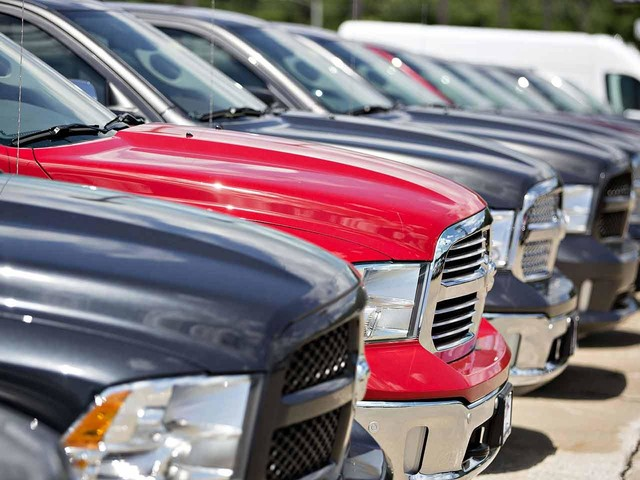 Truck craze, tech stretch purse strings, auto loans
