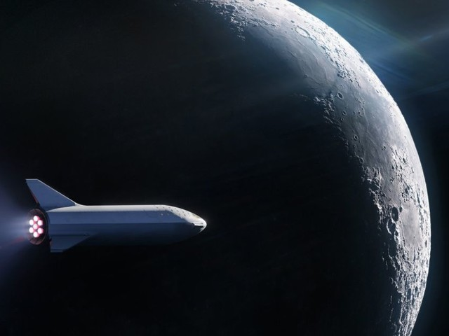 SpaceX booked 'world's first' private passenger for a BFR Moon trip