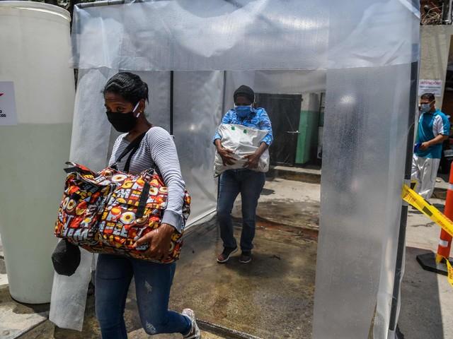 Pompeo urges Venezuela to release imprisoned oil executives as coronavirus spreads