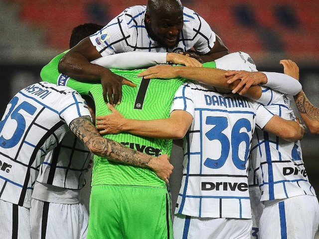 Super Saturday leaves Inter with one hand on Serie A trophy