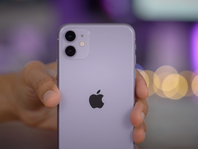 iPhone 11 Review — a camera-centric follow-up to the iPhone XR [Video]
