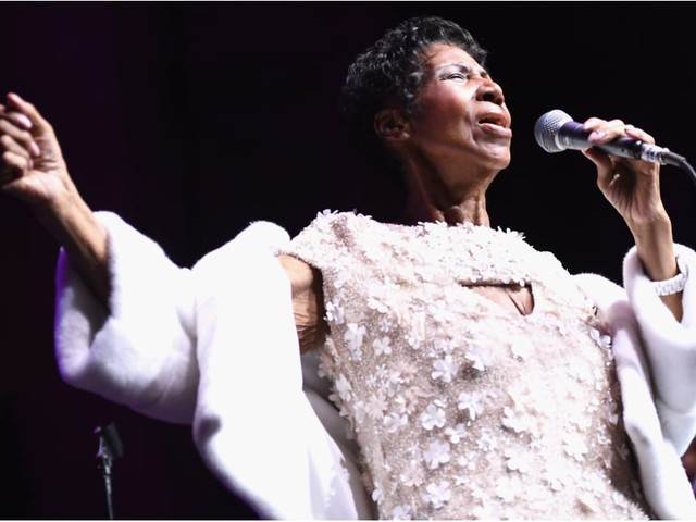 "There's a New, Stripped-Down Version of Aretha Franklin Singing ""Silent Night"" - Cue the Tears"
