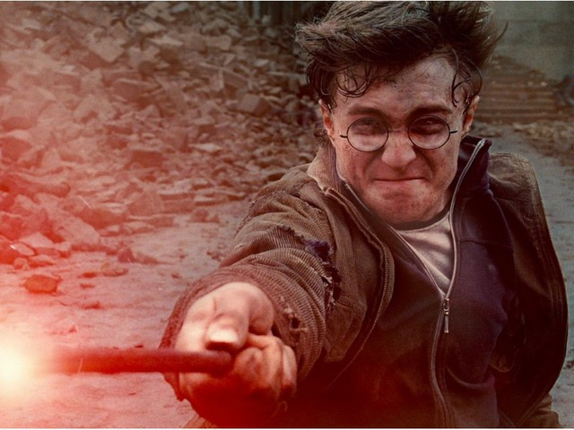This Theory Explains Why It Was So (Weirdly) Easy For Harry Potter to Break the Elder Wand