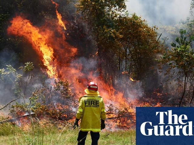 Australia fires: record-breaking temperatures fuel bushfires across the country