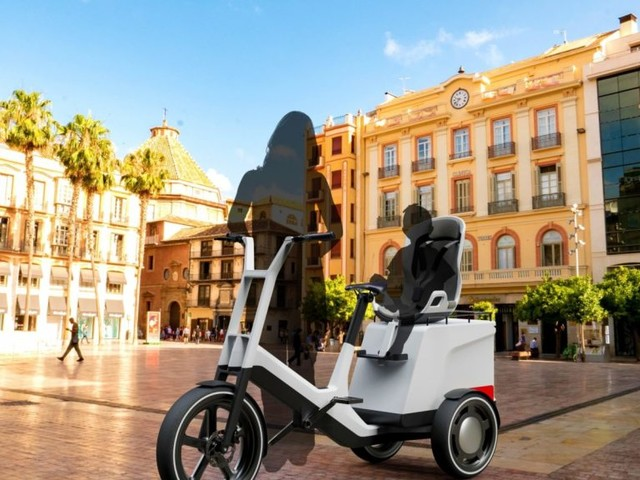 Stimulating Ideas for Urban Mobility: BMW Group Research Unveils Innovative Concepts for Cargo bike & e-Scooter.
