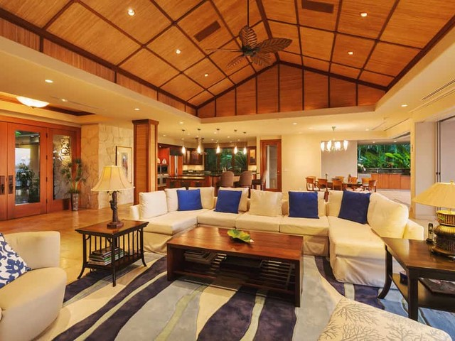 12 Tropical Style Homes – Exterior and Interior Examples & Ideas (Photos)