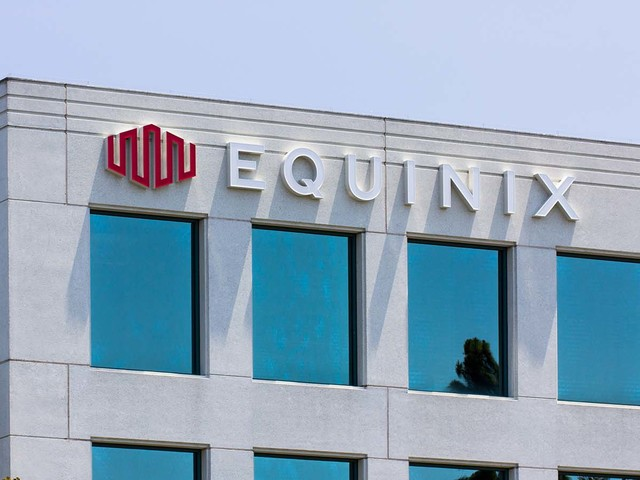 Consider Equinix for Income From a Cloud Investment