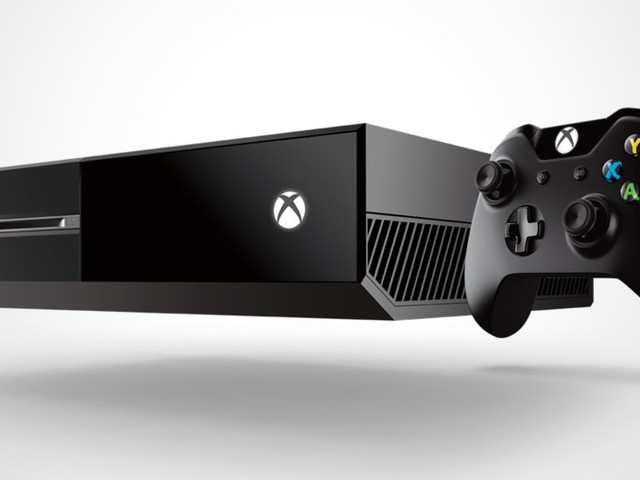 How to manually eject a disc from any Xbox One model using a paperclip