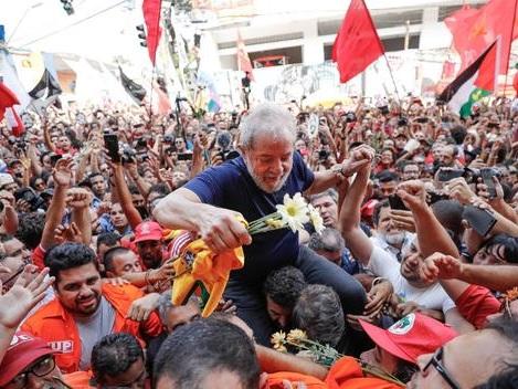 Brazil's Leftist Icon Lula Freed From Federal Prison AfterSupreme Court Ruling