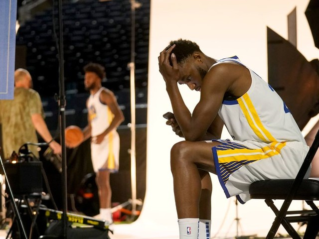 What the NBA's unvaccinated players can lose this season