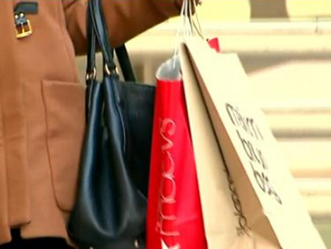 Police Warn Shoppers Not To Become Easy Targets This Holiday Season
