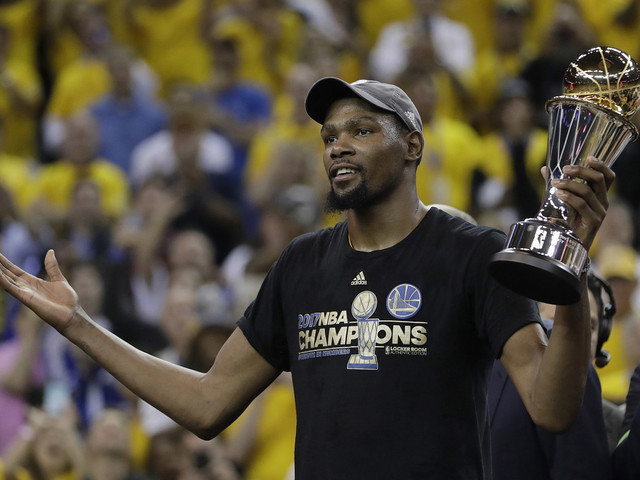 Kevin Durant disses Knicks, NYC hoops while in town