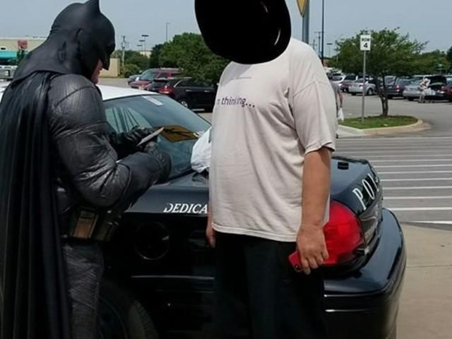 Batman Cop Nabs Alleged Shoplifter With 'Lego Batman Movie'