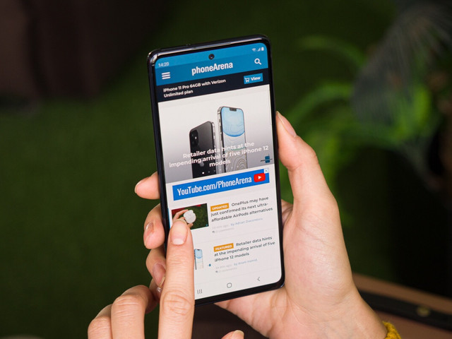 Best Buy has Verizon's special Samsung Galaxy S20 FE 5G UW model on sale at a cool discount
