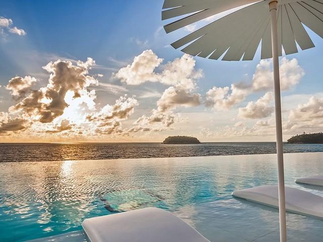 20 Amazing Hotel Pools Around the World