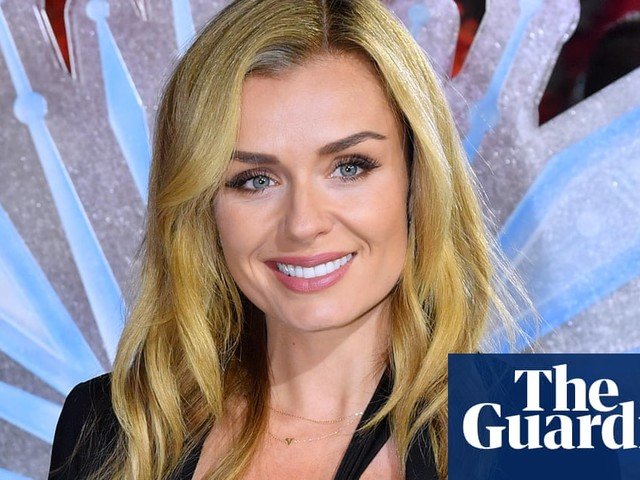Opera singer Katherine Jenkins mugged after going to help woman