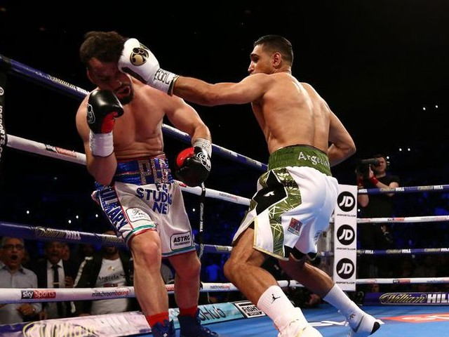 Video: Amir Khan wins comeback fight in 39 seconds