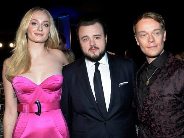 This Game of Thrones Cast Reunion at the 2020 SAG Awards May Make You Cry