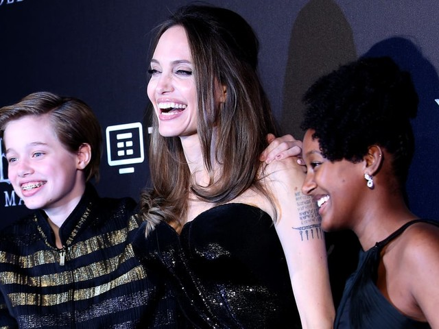 Angelina Jolie and Her Kids Have a Case of the Giggles on the Red Carpet
