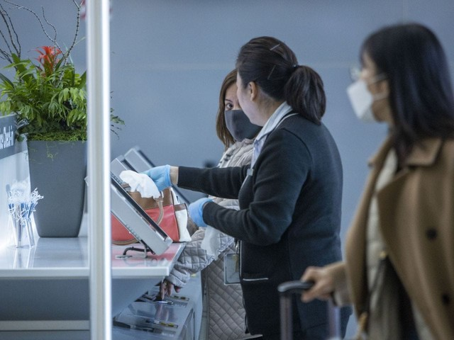 United, other airlines cut more flights to Asia as concerns about coronavirus grow