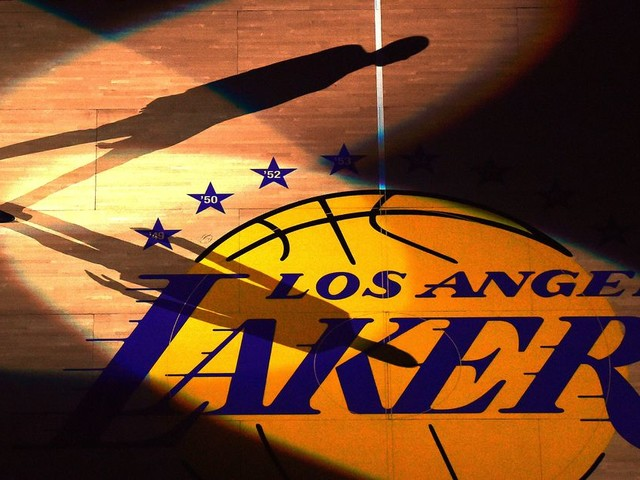 Covering Kobe, Six Days Till Iowa, and Super Bowl Conspiracies