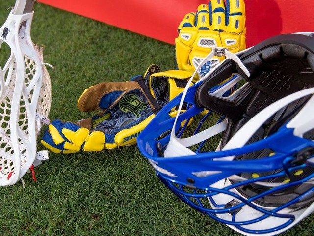 Lacrosse player forced to sit out because his head is too big to fit a helmet