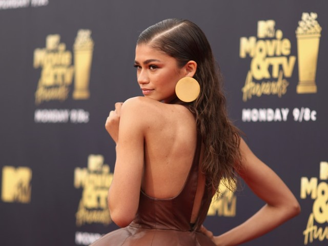 Zendaya's 2018 MTV Movie Awards Look Is Sweeter Than A Hershey's Kiss