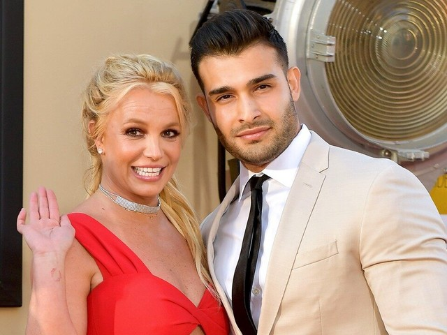 Britney Spears Walks Her First Red Carpet With Boyfriend Sam Asghari