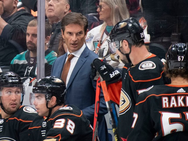 Ducks coach Dallas Eakins downplays game vs. Edmonton