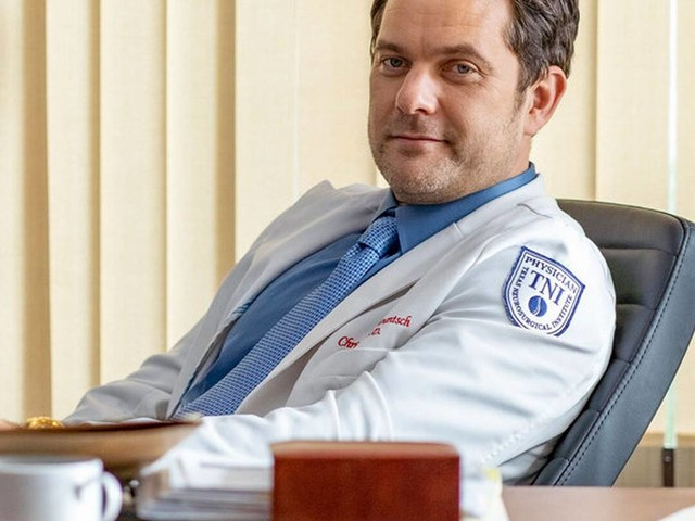 Joshua Jackson Is a Sinister Surgeon in Bone-Chilling Dr. Death Trailer