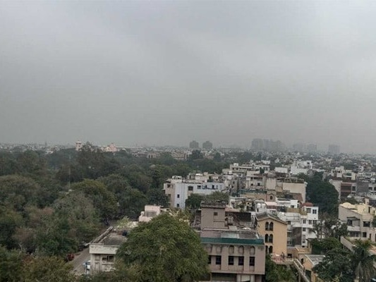 Light Rain Brings Down Temperature In Delhi