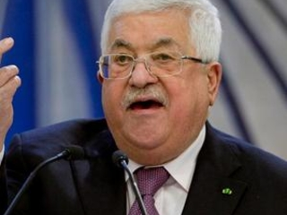 Abbas delays Palestinian elections; Hamas slams 'coup'