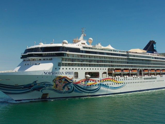 Norwegian Cruise Line is ditching plastic water bottles on its ships as the cruise industry comes under fire for for polluting the seas (NCLH)