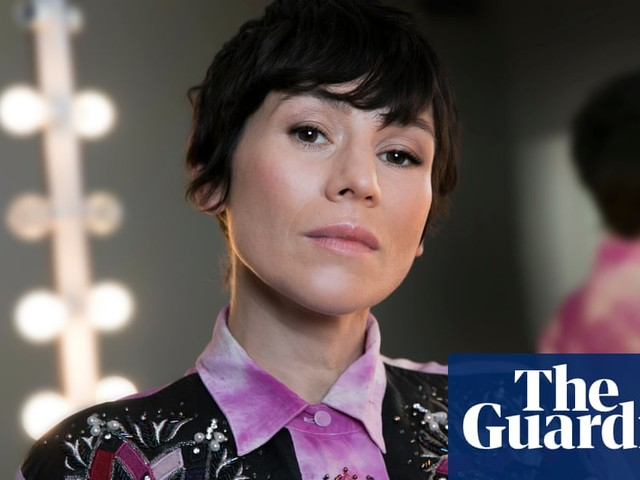 'This is war': actor Yael Stone gives up US green card and will now live in Australia to fight climate change