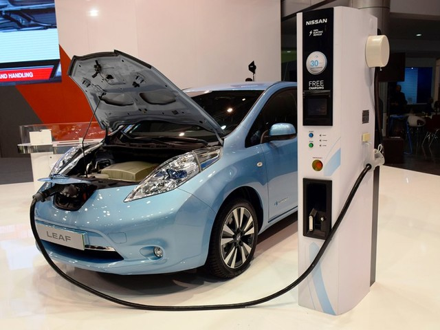 Is the Cost of An Electric Car Worth It? We Asked an Expert