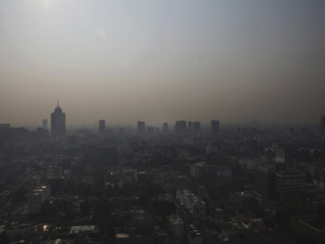 Mexico cancels school in capital due to poor air quality