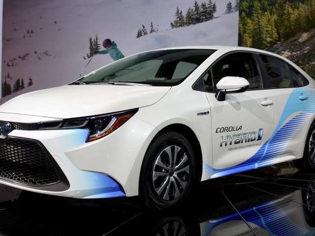 The 2020 Toyota Corolla Hybrid Gives You Prius Fuel Economy Without the Weird Hatchback Design