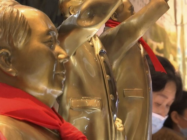 'Red Tourism' draws Chinese on centennial of Communist Party