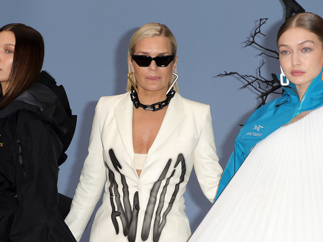 Bella & Gigi Hadid Walk the Runway with Their Mom at Off-White Show in Paris!
